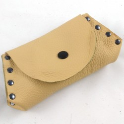 Leather coin purse creal coloured,riveted