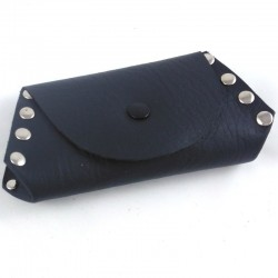 Leather coin purse black coloured,riveted