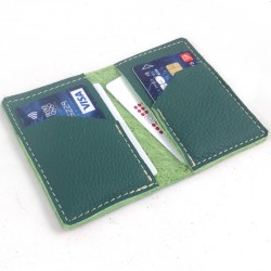 Leather card wallet forest green coloured, straw color sewing