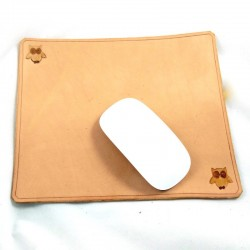 Mouse pad in vegetal tanned leather hammered with owl pattern (landscape orientation