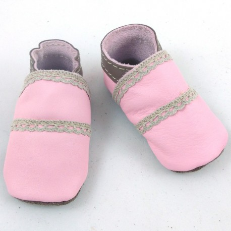 Baby leather slippers pink and brown coloured with dentel