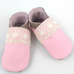 Baby leather slippers pink and taupe coloured with dentel
