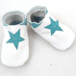 Baby leather slippers white and turquoise coloured, star pattern