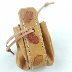 Leather purse ginger coloured with Oak Leaf pattern, natural lace