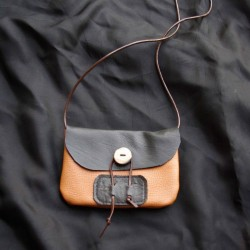 Small leather handbag, gold and black coloured